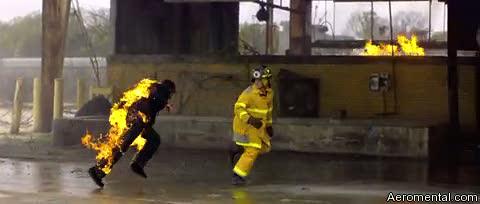 zombieland bomberos zombie con fuego