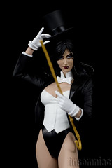 DC Zatanna (insomniac 2.0) Tags: girls justice dc cover homo league direct magi zatanna zatara