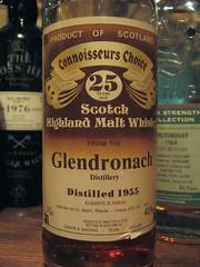 Glen Dronach 25yo 1955 Connoisseurs Choice (eitaneko photos) Tags: 1955 june tokyo bottle glen single whisky choice 2009 cl malt 25yo connoisseurs dronach