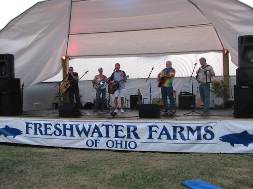 thats my dad, the harp player, on far left