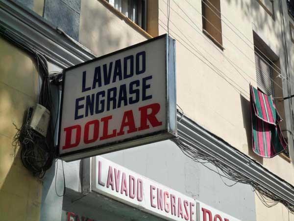 En proceso:Lavado Dolar,foto de Laura Bañuelos