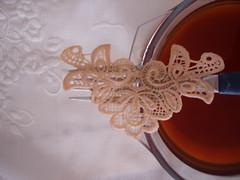Renda tingida com chá