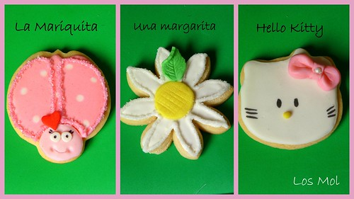 2Galletas comunión Hello Kitty con margaritas