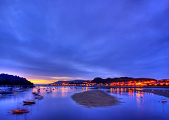 Conwy Harbour Night Details (Neil@photos dot com) Tags: pictures uk blue red sea sky urban seascape colour green art beach water wales landscape boats photography lights coast landscapes seaside lowlight view harbour streetlights sony ngc shoreline scenic picture coastal views citylights sands dslr skys photoart conwy scenics digitalphotography a350 sonyalpha scenisnotjustlandscapes landscapelovers neilbeevers