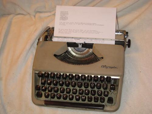 Olympus-Reiseschreibmaschine