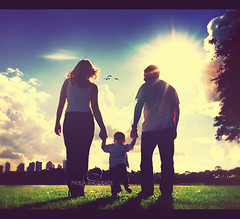 Love (_Paula AnDDrade) Tags: park family blue sunset sky sun green love photography famlia curitiba fotografia familyportrait paulaanddrade diamondclassphotographer flickrdiamond