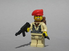 Parachute Regiment (Dunechaser) Tags: uk greatbritain lego wwii worldwarii ww2 minifig custom britisharmy thompson worldwar2 paras tommygun parachuteregiment paratrooper brickarms brickforge
