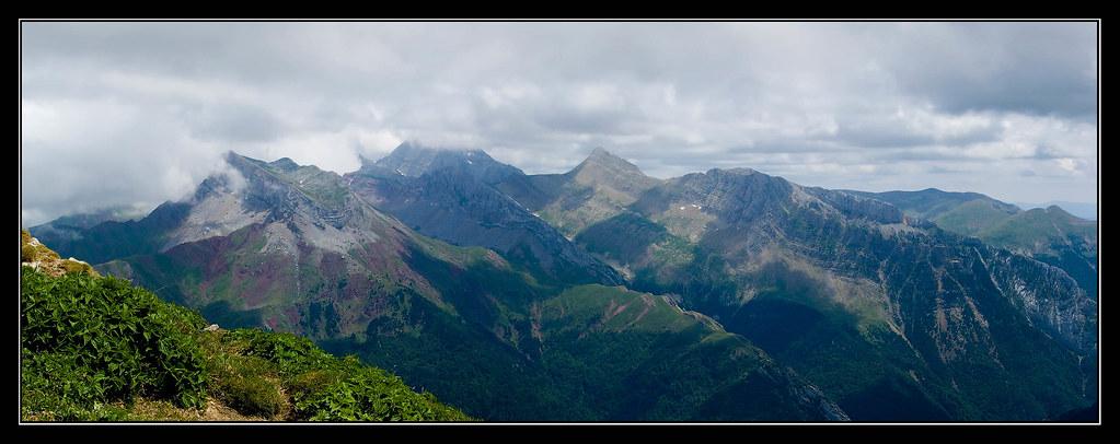 Castillo de Acher (2384 m.), Bisaurín (2670 m.) y Agüerri (2447 m.) desde Chipeta Alto