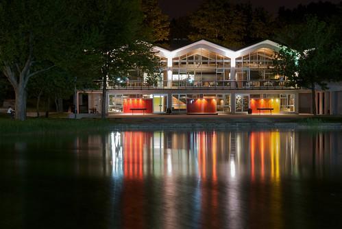 Beaver Lake Bistro at night on Mont-Royal