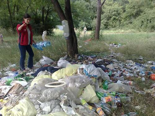 Curăţenie la Traseul Motocross din Chişinău.