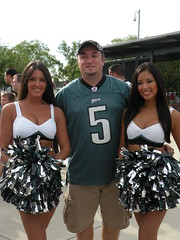 "EaglesFanCast Eric and Cheerleaders at Eagles Flight Night • <a style=""font-size:0.8em;"" href=""http://www.flickr.com/photos/23560286@N02/3797498843/"" target=""_blank"">View on Flickr</a>"