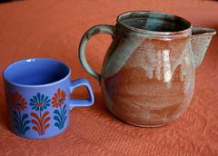 fleamarket treasures I (mia_4loose) Tags: cup tasse vintage pot thrift mug staffordshire fleamarket porcelain becher krug porzellan flohmarkt keramik getöpfert