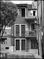 Gijon (Asturias) 06 (jaimetello) Tags: city urban españa white black architecture spain arquitectura ciudad asturias urbano espagne gijon xixon cantabrico