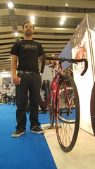 Dom Mason with the Kinesis Decade Convert 2 Fixed he designed (wrightrkuk) Tags: london bikes bicycles exhibitions shows fixedgear earlscourt kinesis cycles fixedwheel fixedgearbikes bikeshows kinesisdecade fixedwheelbikes dommason bikedesigners kinesisbikes convert2fixed cycleshow2009