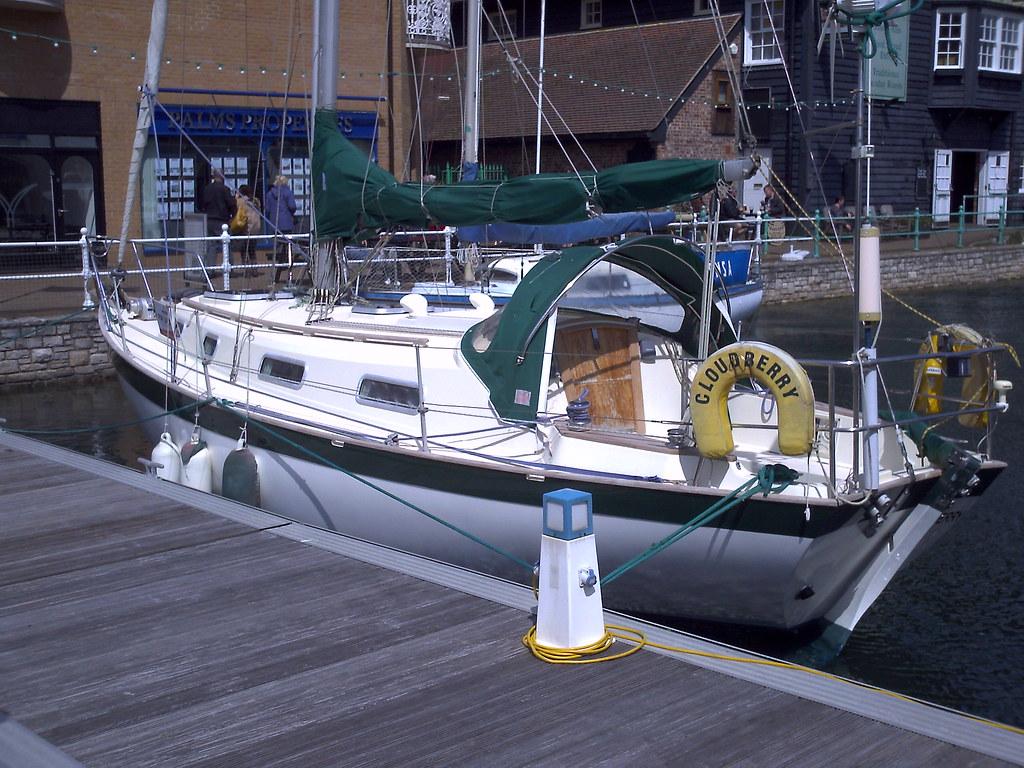 Praktica Aquapix sample - taken in Brighton Marina