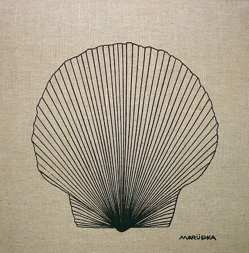 Marushka - scallop shell (black on linen)