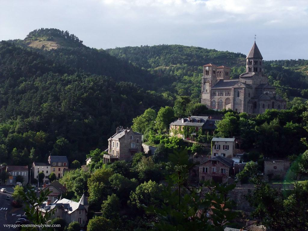 O Mont Cornadore, uma jóia de verdura na Auvergne