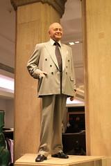 Mohamed Al Fayed (kestrel49) Tags: uk england london statue shop europe harrods knightsbridge gb mohamedalfayed