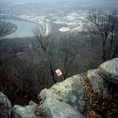 TB07 (peterbaker) Tags: trees cliff chattanooga danger river highway tennessee lookoutmountain keepback
