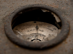 Alta tensione (Topyti) Tags: sardegna geotagged sardinia decay arbus ampere archeologiaindustriale montevecchio guspini amperometro cantieridilevante geo:lat=39556016 geo:lon=8580623