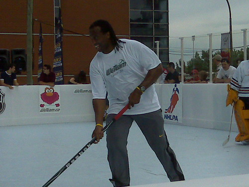 Laraque Plays
