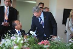 El Presidente Felipe Calderón dialoga con el P...
