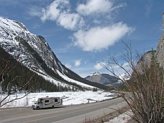 mha_on_icefields_parkway_april_2009-7 (Large) (crazyboutrving) Tags: mountains alberta rv frozenlake icefieldsparkway canadream rvvacation