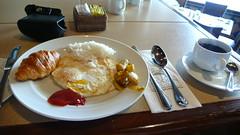 빈탄리조트에서 아침식사