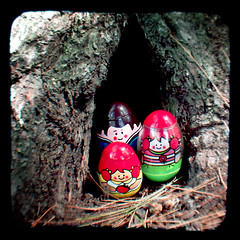 met a friendly family of weebles living beneath the tree (Thonk!) Tags: photography weebles argusseventyfive ttv throughtheviewfinder ttv365 myyearttv2009