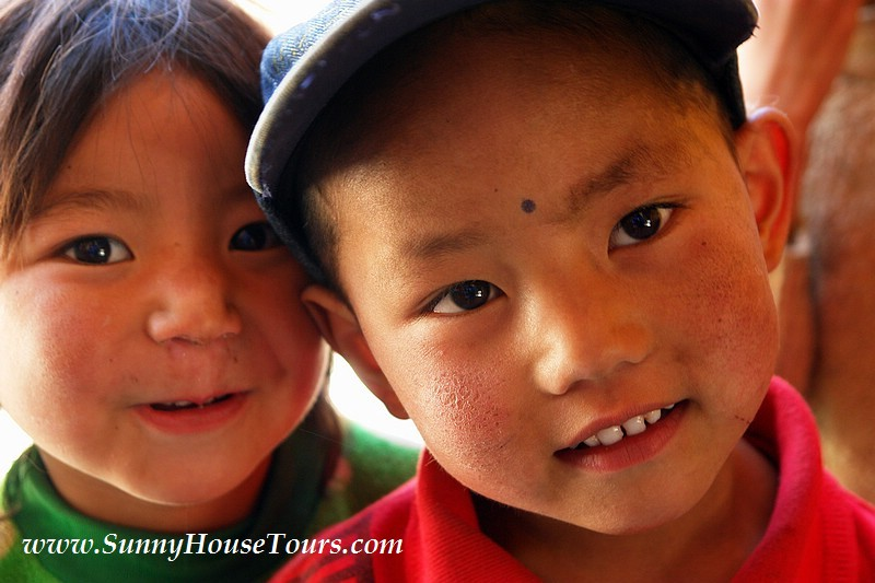 西藏旅遊 敏珠林寺 藏香 陽光小屋 ACE