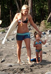 kelea & Mom (leilani&kelea) Tags: waipio valleysurfing