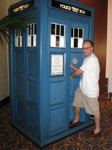 Dragon*Con - Shag and the TARDIS