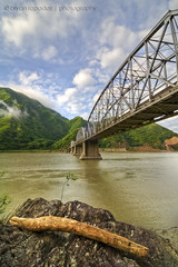 Connecting Link to Ilocos (B2Y4N) Tags: santa bridge mountains rock clouds nikon driftwood ilocossur abrariver quirino d90 b2y4n bryanrapadas