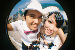 (Twiggy Tu) Tags: selfportrait film brad lomo taiwan fisheye 2009 twiggy weddingphoto preweddingphotography