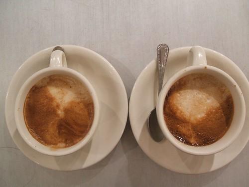 duo cappuccinos