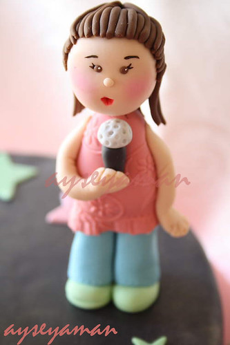 Aleksandra Gum Paste Figure
