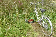 Fahrrad Rasenmäher (Aah-Yeah) Tags: bike bayern lawnmower velo fahrrad rasenmäher bernau jva chiemgau