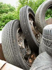 Tyred out (Lady Wulfrun) Tags: old vintage wheels dump waste oldcar skip recycling tyres veteren dumped 18wheels oldtyres spokedwheels whhels 500x18 tyresandwheels