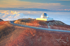 NASA Infrared Telescope Facility, Mauna Kea (Tetrafluoromethane) Tags: travel light sunset vacation sky usa mountain clouds volcano hawaii heaven dusk top altitude observatory telescope solo summit tropical astronomy bigisland maunakea highelevation nasainfraredtelescopefacility