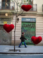 Hearts by Crochettes (Alcia) Tags: barcelona street tree arbol spain heart handmade crochet craft corazon raval saintvalentine sanvalentin