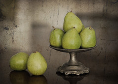 Anjou (Shana Rae {Florabella Collection}) Tags: life green texture vintage silver still pears antique anjou minhay