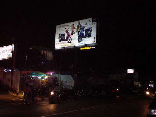Billboard Premiere H - DAM 1 (malam)