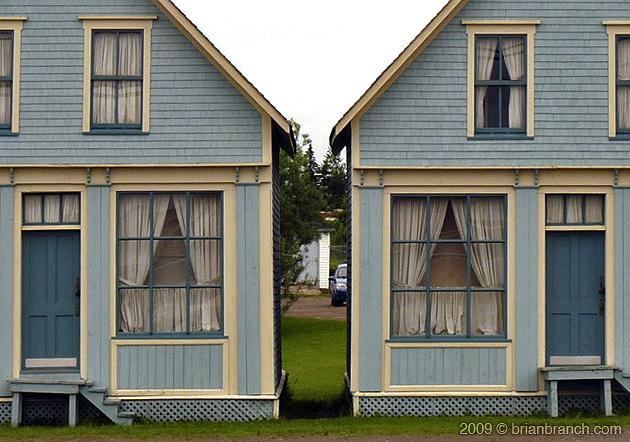 P1020717_twin_houses