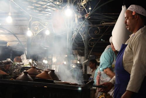 Cocinero en la plaza Djema El-Fna