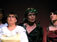 Linda Green (center) as Cinderellas mother
