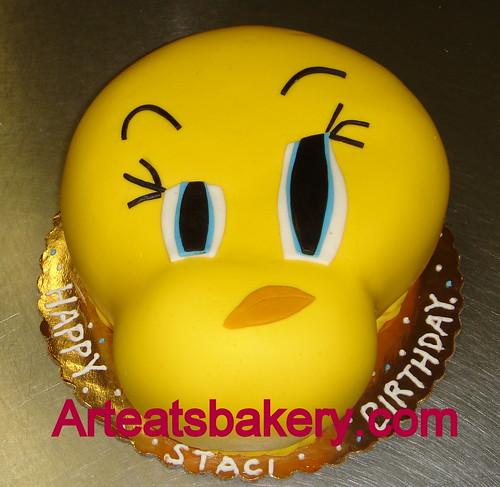 Brilliant Tweety Bird Fondant Birthday Cake A Photo On Flickriver Funny Birthday Cards Online Kookostrdamsfinfo
