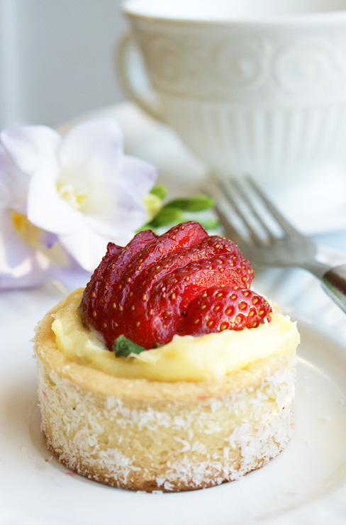 coconut strawberry petit tart