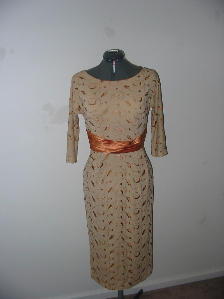 Vintage 1960s wiggle Dress Gold size small