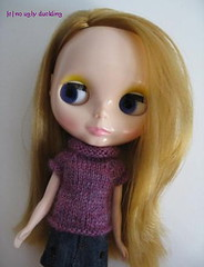 Hand knitted short sleeved sweater for Blythe