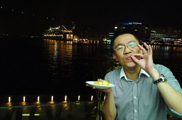 Singapore - Sentosa Boardwalk - The Ultimate Crab and Durian Buffet - 2011